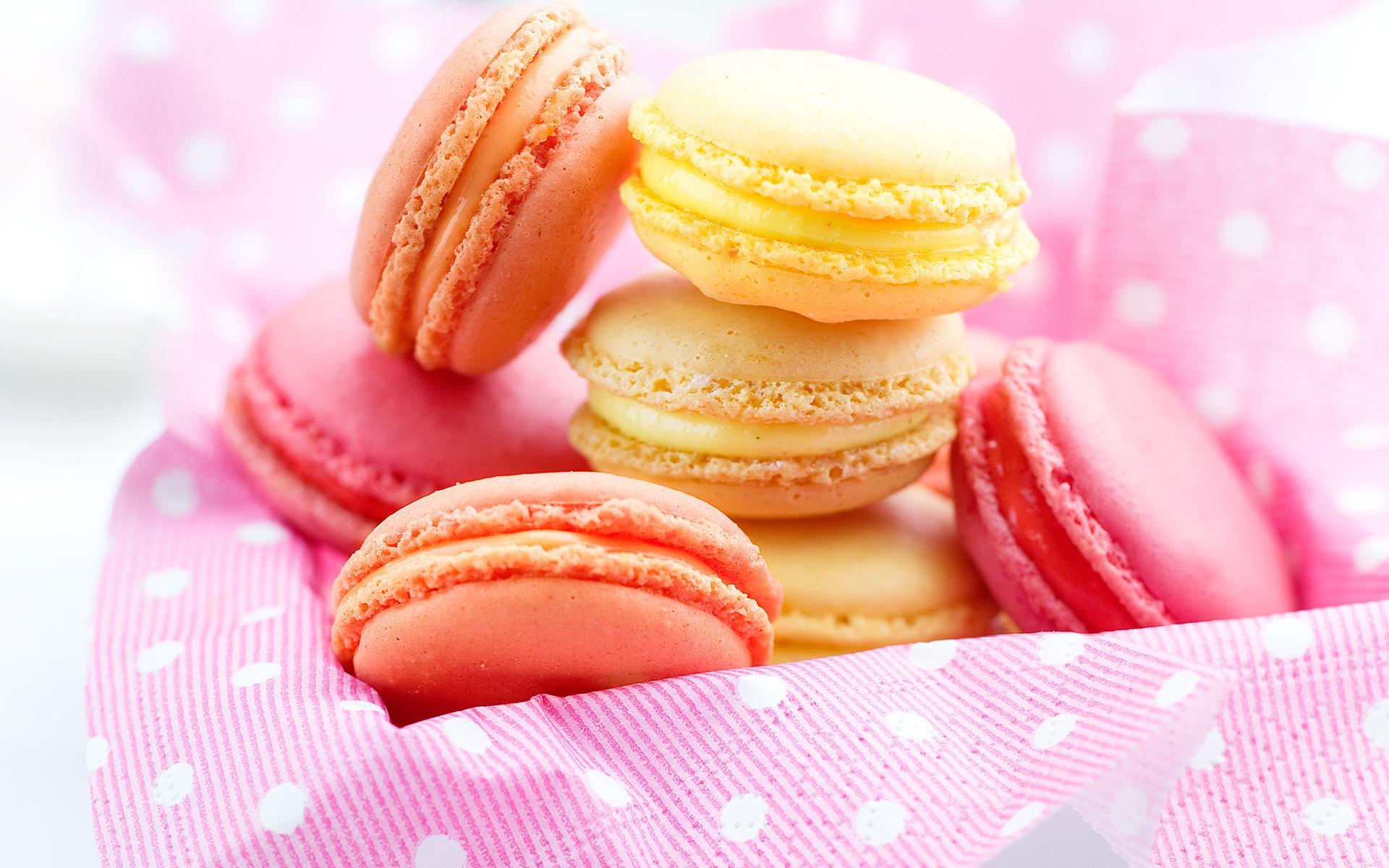Lemon Orange And Strawberry Macaroons French Recipes Elle Vire
