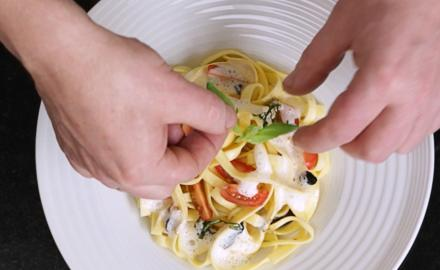 Tagliatelles aux tomates basilic, Sublime à l'huile d'olive