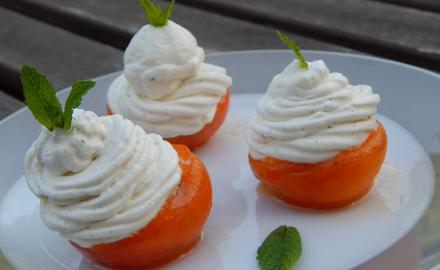 Roasted apricot and vanilla whipped cream