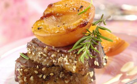 Magrets de canard rôtis à l'abricot et au romarin