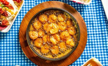 Cassolettes de crevettes à la crème et au Vermouth