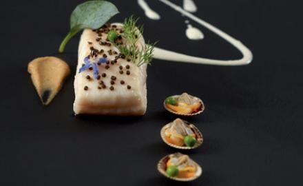 Tronçon de turbot caviar d'aubergine fumée et crème iodée