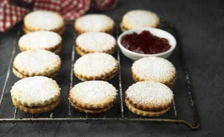 Biscuit gourmand aux fraises et au rhum