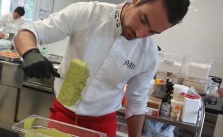 Julien Alvarez à La Maison De La Crème